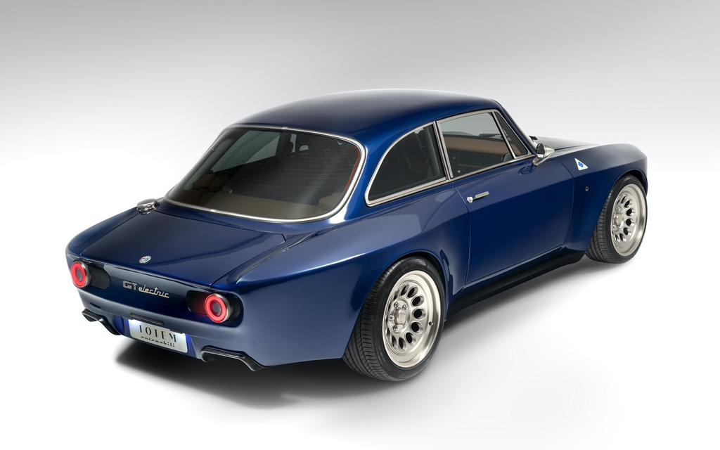 Alfa Romeo Giulia GT Electric Coupe Image 7 from 8